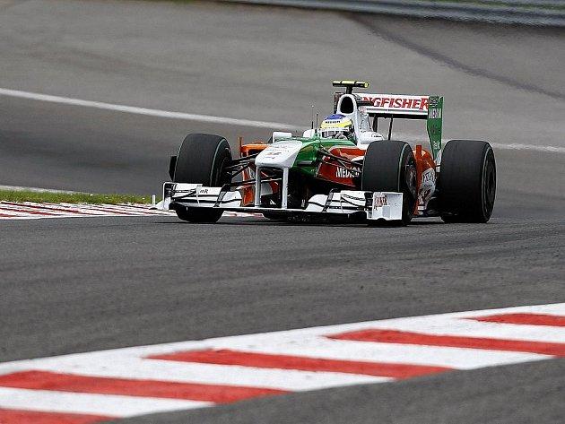 Giancarlo Fisichella ve voze Force India na trati Velké ceny Belgie ve Spa.
