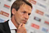 Tisková konference nového trenéra fotbalového týmu Česka Františka Straky.