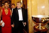 Americký herec Robert De Niro s manželkou.
