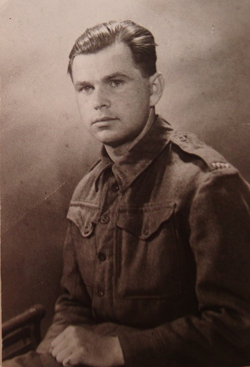 Josef Holec v roce 1945