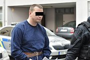 Osmadvacetiletý muž, který v pátek přepadl banku v Příbrami a držel v ní rukojmí