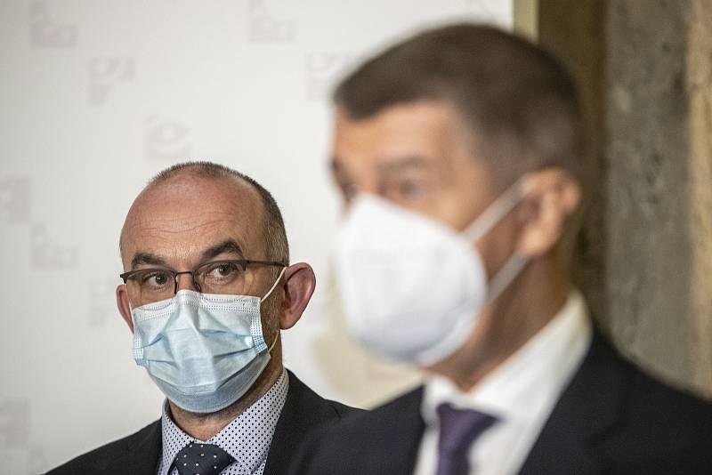 Nově jmenovaný ministr zdravotnictví Jan Blatný vystoupil na tiskové konferenci společně s premiérem Andreje Babišem