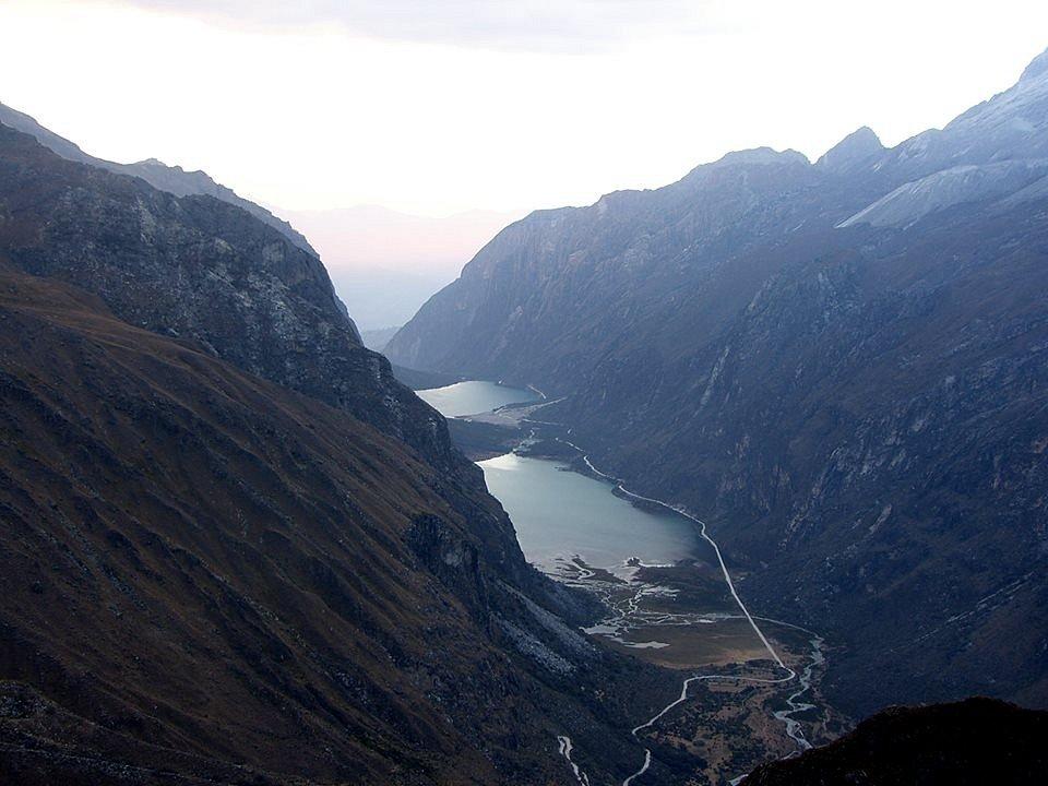 Jezera Llanganuco, základní tábor československé Expedice Peru 1970 se nacházel mezi nimi