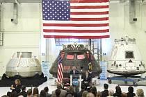 Soukromá společnost SpaceX se v noci na pondělí SEČ znovu pokusí přistát s prvním stupněm své nosné rakety na plošině volně plující na moři.