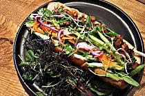 Jídlo ve veganské restauraci Pastva