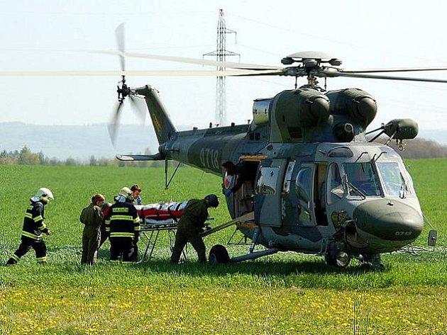 Krádež okapů ve Vojtanově na Chebsku se ve čtvrtek 29. dubna 2010 vymstila 48letému muži ze Sokolovska. Spadl ze žebříku a musel být transportován vrtulníkem do nemocnice.