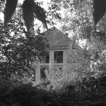 Zchátralá budova. Vidnava