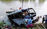 Nehoda autobusu v Indii, ilustrační foto