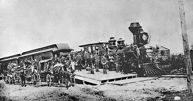 První vlaková souprava Canadian Pacific ve městě Port Moody v Britské Kolumbii