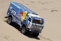 Vladimir Čagin na trati čtvrté etapy letošního Dakaru z Fiambaly do Copiapa.