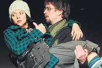 Jan Dolanský a Klára Issová během zkoušky v Divadle Na Jezerce.