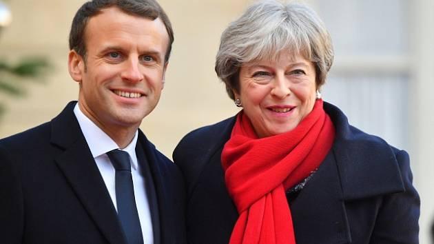Britská premiérka Theresa Mayová s francouzským prezidentem Emmanuelem Macronem