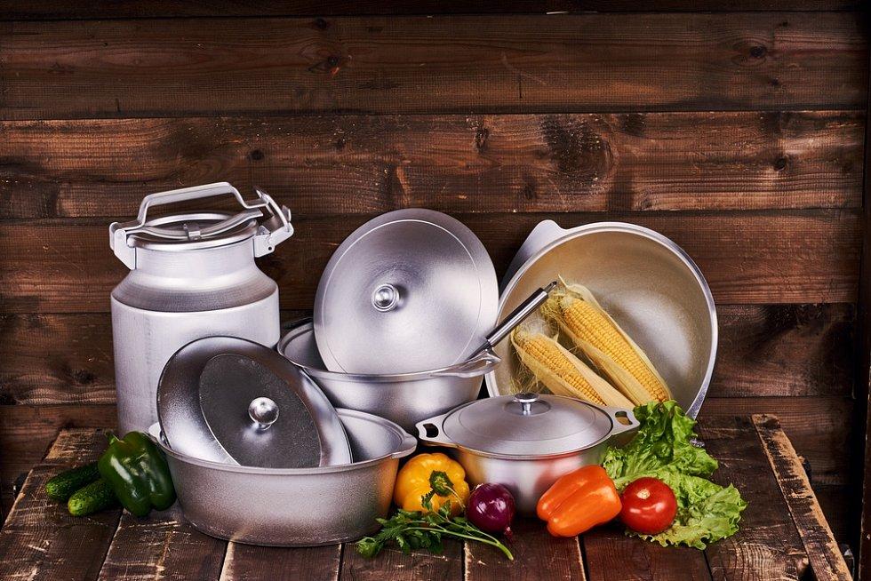 Hliníkové nádobí spousta domácností vyřadila z provozu.