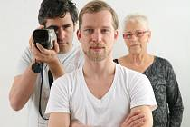 Letošní host z Izraele: Režisér Tomer Heymann na plakátu k filmu I Shot My Love z roku 2009