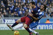Derby v Barceloně: Lionel Messi a Abraham Gonzalez