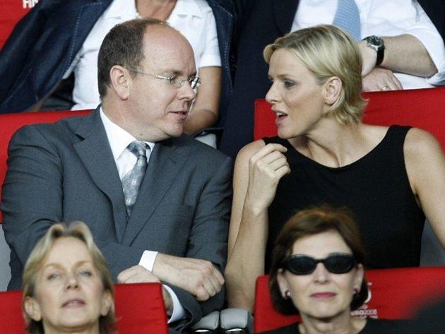 Monacký kníže Albert a jeho přítelkyně Charlene Wittstocková.