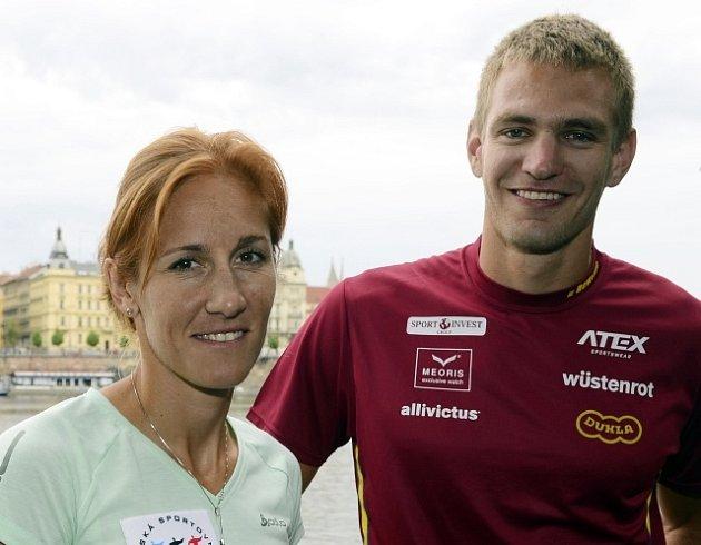 Skifaři Mirka Knapková a Ondřej Synek.