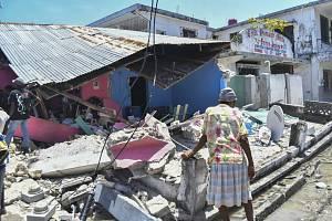 Budova zničená zemětřesením ve městě Les Cayes na Haiti, 14. srpna 2021