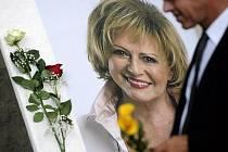Poslední rozloučení s televizní hlasatelkou a pozdější moderátorkou Milenou Vostřákovou, která zemřela 7. července ve věku 77 let, se konalo 15. července v Praze.