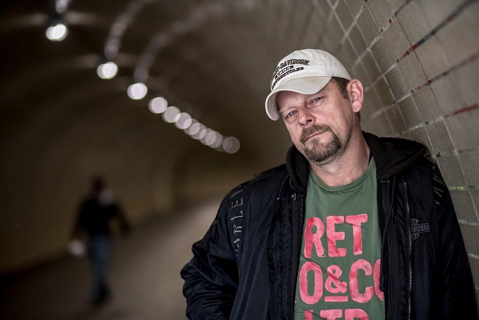 Martin Stránský při fotografování pro Deník 29. května.