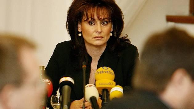 Nejvyšší státní zástupkyně Renata Vesecká požádala prezidenta Václava Klause o udělení milosti pro Ludmilu Brožovou-Polednovou.