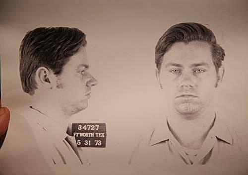 Fotografie Williama Suffa z průběhu vyšetřování jeho zločinů