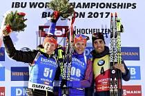 Stříbrný Ondřej Moravec, zlatý Lowell Bailey a bronzový Martin Fourcade
