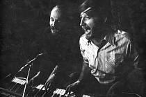Duben 1970. S Petrem Skoumalem v Činoherním klubu při zkoušce na představení Hurá na Bastilu.