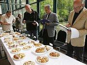 V rámci již tradiční každoroční potravinářské soutěže Chutná hezky jihočesky proběhla ochutnávka výrobků v pavilonu R2 na českobudějovickém Výstavišti.