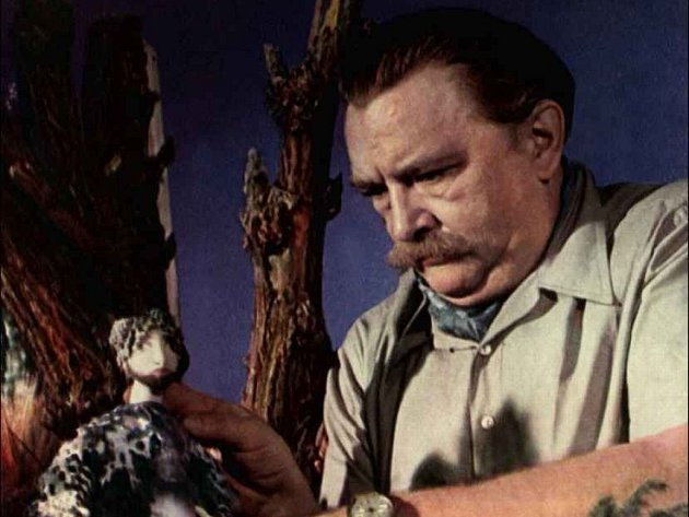 Jiří Trnka (24. února 1912, Plzeň-Petrohrad – 30. prosince 1969, Praha) byl český výtvarník, ilustrátor, sochař, scenárista a režisér animovaných filmů, jeden ze zakladatelů českého animovaného filmu. Letos slavíme sté výročí jeho narození a je mu také dí