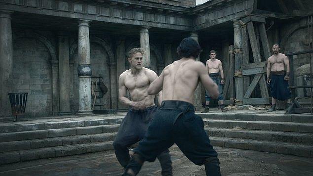 Král Artuš: Legenda o meči