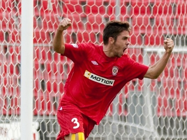 Petr Buchta z Brna se raduje z gólu.