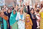 Demonstrace na protest proti zabití zpěvačky Saminy Sindhu