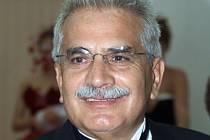 Italský gynekolog Severino Antinori.
