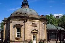 Prameny byly v Harrogate objeveny v 16. století, zásobovaly veřejné lázně, sloužily také jako zdroj pitné vody.