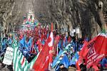 Do ulic Říma vyšly tisíce odborářů.