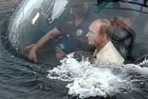 Putin se na Krymu potápěl, tentokrát k vraku lodi plné amfor