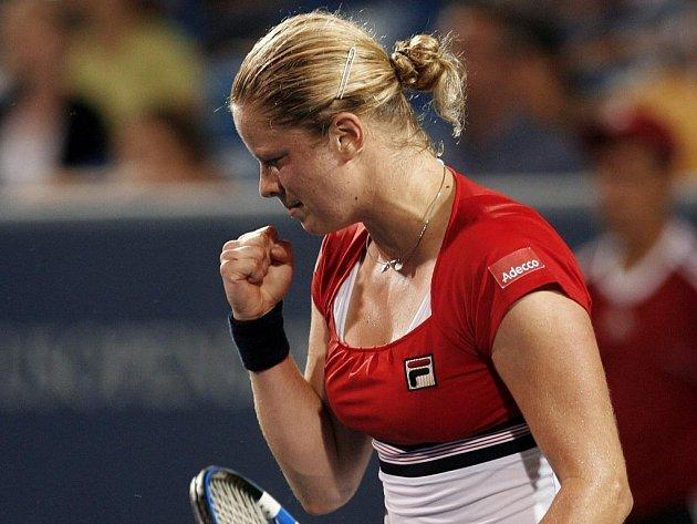 Belgičanka Kim Clijsterová se úspěšně vrátila na tenisové dvorce.