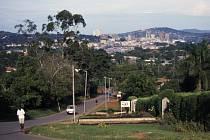 Americká ambasáda v Ugandě dnes varovala před možným teroristickým útokem proti západním cizincům v této africké zemi. Kvůli této hrozbě, která se údajně týká metropole Kampaly.