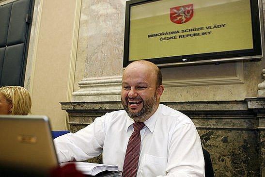 9.září 2009 proběhla v pozdně večerních hodinách mimořádná schůze vlády. Na snímku Martin Pecina ministr vnitra