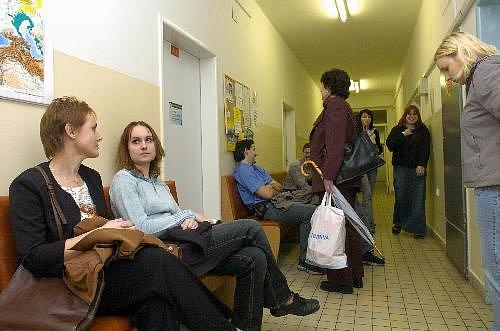 Virtuální čekárna ČR, projekt, který slibuje, že už nebudeme muset trávit čas v čekárnách ordinací praktických lékařů, a navíc lidem nabízí možnost konzultovat svůj zdravotní stav s lékařem kdykoliv, on-line a také zdarma.