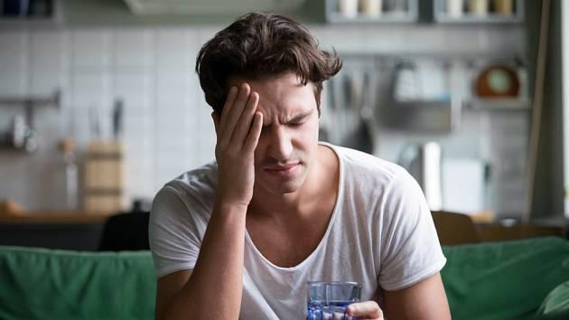 Bolest hlavy a migrény trápí mnoho lidí. Onemocnění covidem může jejich stav ještě zhoršit…