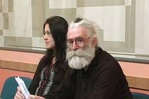 Bělehraďanka Mila Cicaková s doktorem Draganem Dabičem. Nevěděla, že je to Radovan Karadžić.