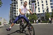 Cyklista Jan Bárta v olympijské vesnici v Londýně.