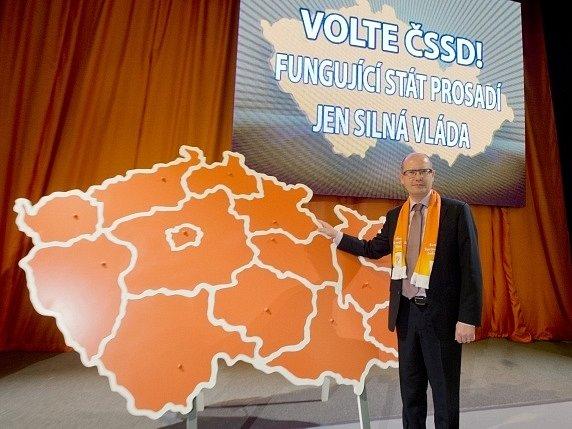 Předseda ČSSD Bohuslav Sobotka 19. října v Praze na programovém shromáždění strany.