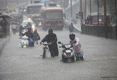 Záplavy v indické Bombaji