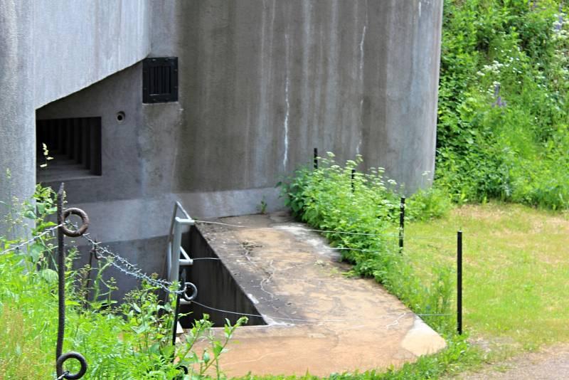 Za socialismu zde ministerstvo vnitra pod krycím jménem Objekt Kahan budovalo protiatomový kryt s tajným pracovištěm pro zajištění komunikace a spojení