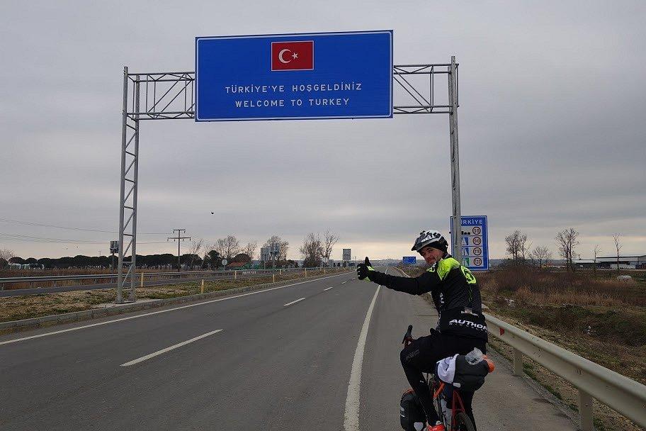 Na cestě z Atén na turecké pobřeží Černého moře.