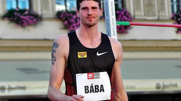 Na Horním náměstí v Olomouci se konala Hanácká laťka 2011. S přehledem zvítězil nejlepší český výškař Jaroslav Bába.
