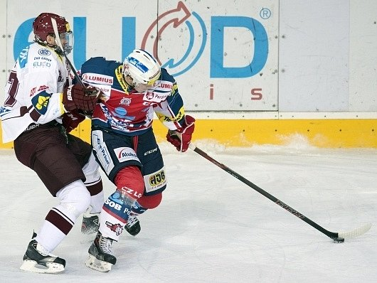 Sparta vs. Pardubice - Petr Ton (vlevo) a Jan Semorád